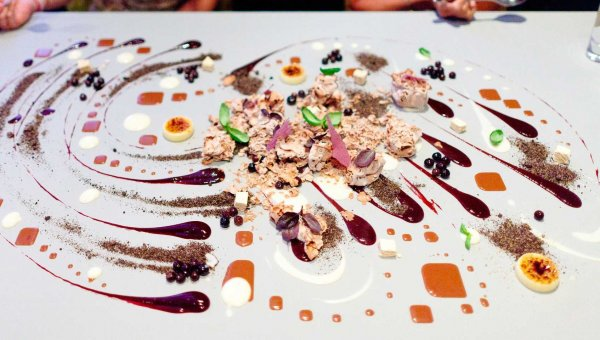 Unique fine dining experiences connoisseur 39 s for Alinea chef de cuisine